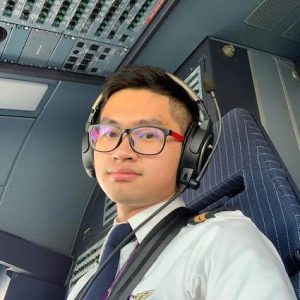 Reachta Lim, commercial pilot
