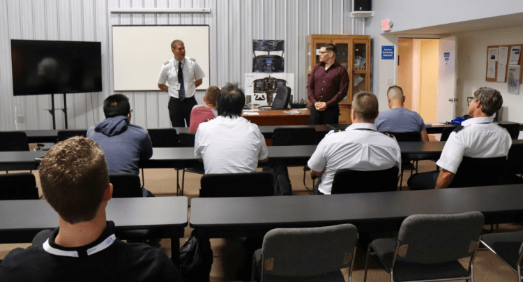 Air Wisconsin Visits Epic Flight Academy