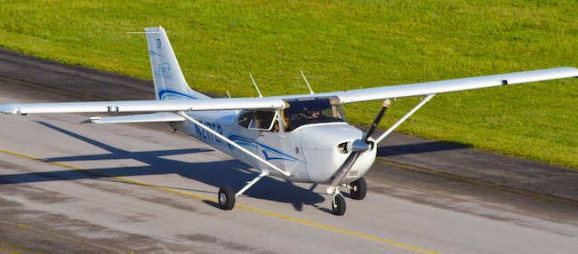 Cessna 172 are positively static and dynamic stable