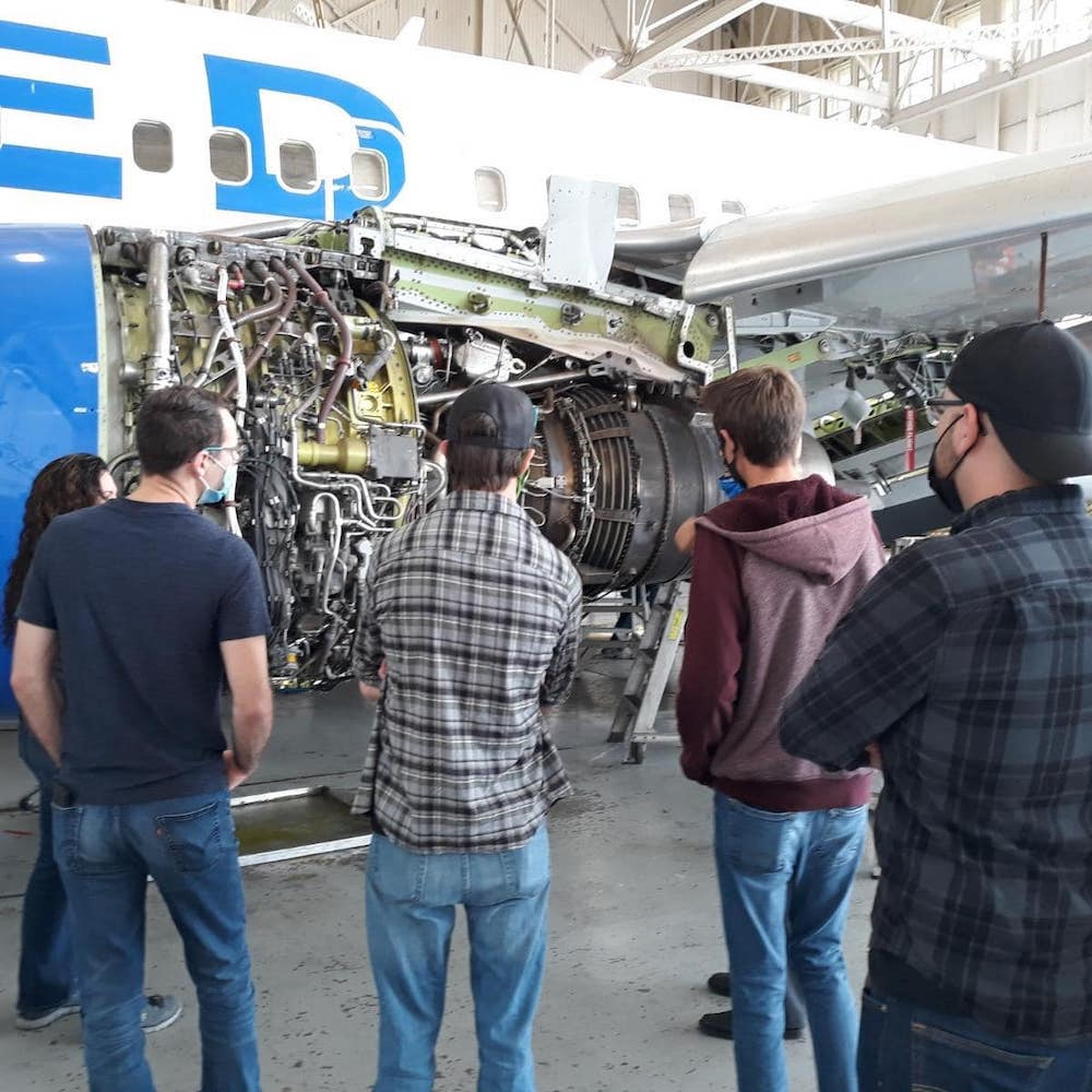 Epic Mechanics Visit United Airlines